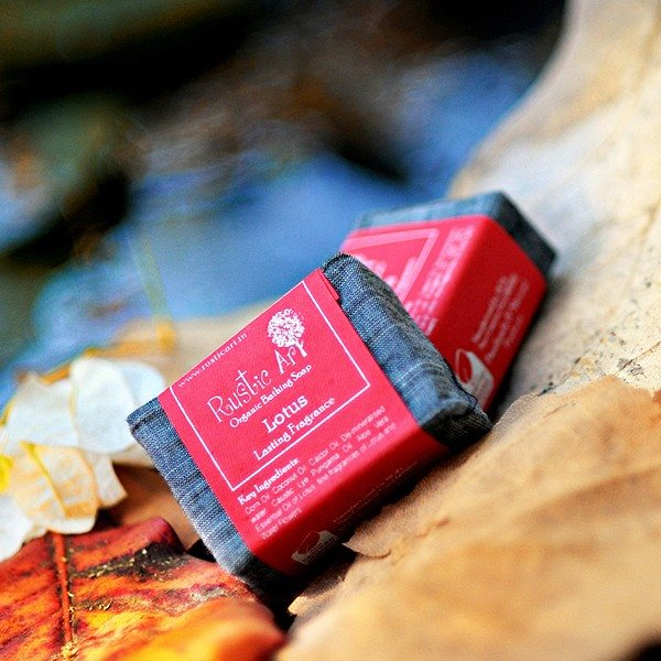 Buy Rustic Art Organic Lotus Soap - 100 gm online Malasiya [ MY ]
